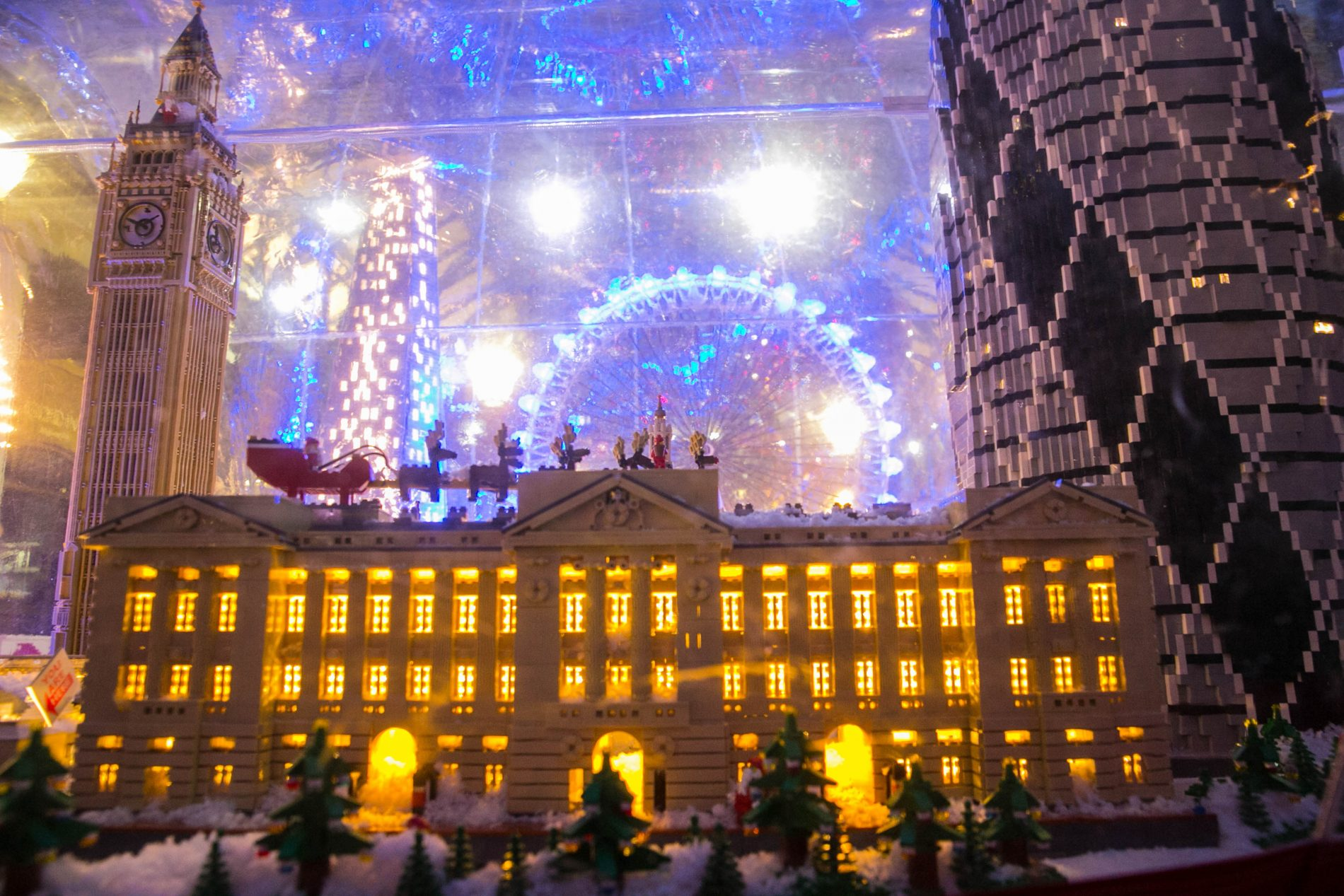 Christmas in covent garden with new lego snow globe london mums magazine - Covent garden magasin ...