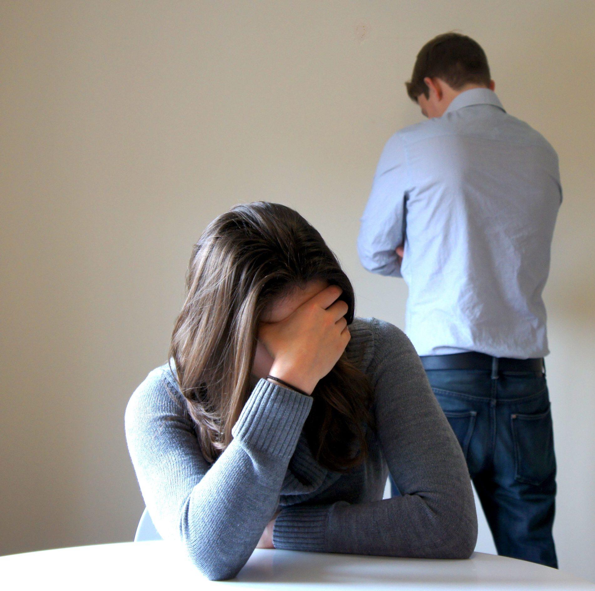 позволяла мужчинам картинки грустные муж изменял жене решетчатые
