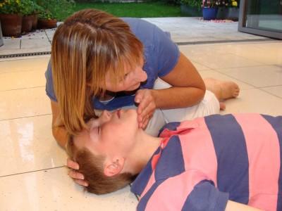 child resuscitation child - tilt head and lift chin