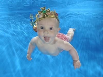 Robyn Cust - aged 6 months photographed by Ian Goddard