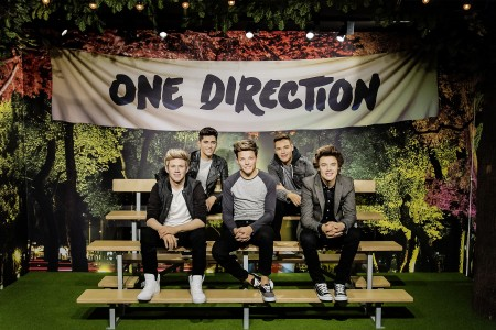 One Direction at Madame Tussauds - THEY'RE BACK