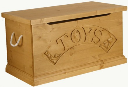 10 downing street gift to prince george toy box 1