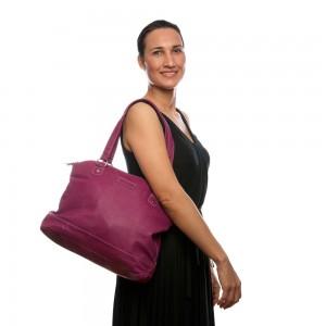 summer handbag mia tui lifestyle shot