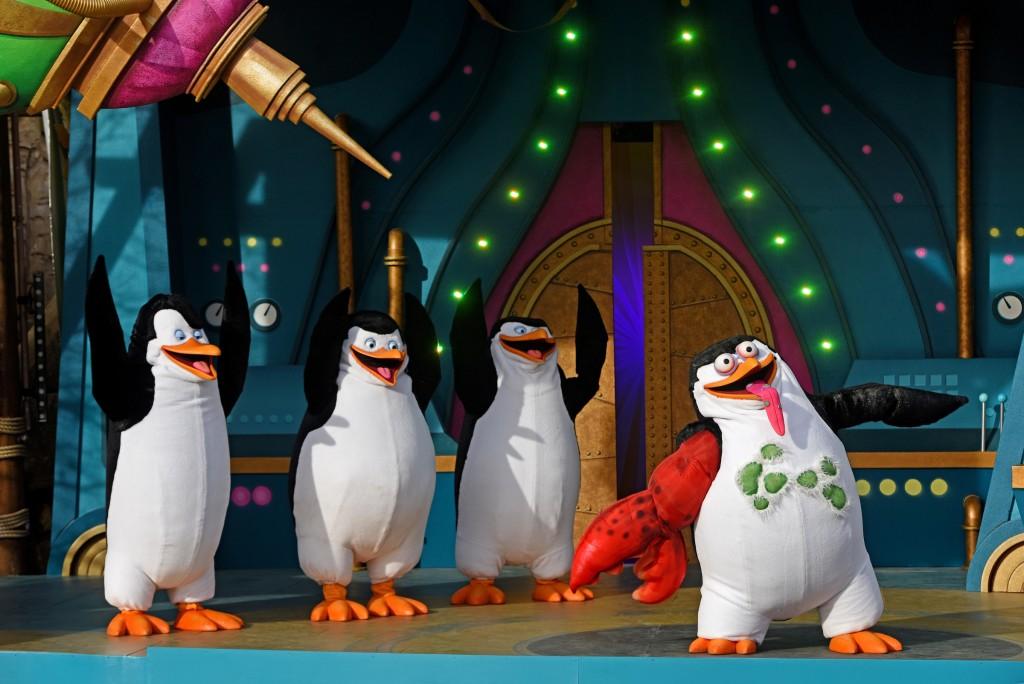 Skipper Kowalski Private & Rico Penguins of Madagascar Live!