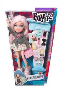 LONDON_MUMS magazine bratz PG20-21 536895 536901 Bratz #SelfieSnaps Doll Cloe FW PKG F