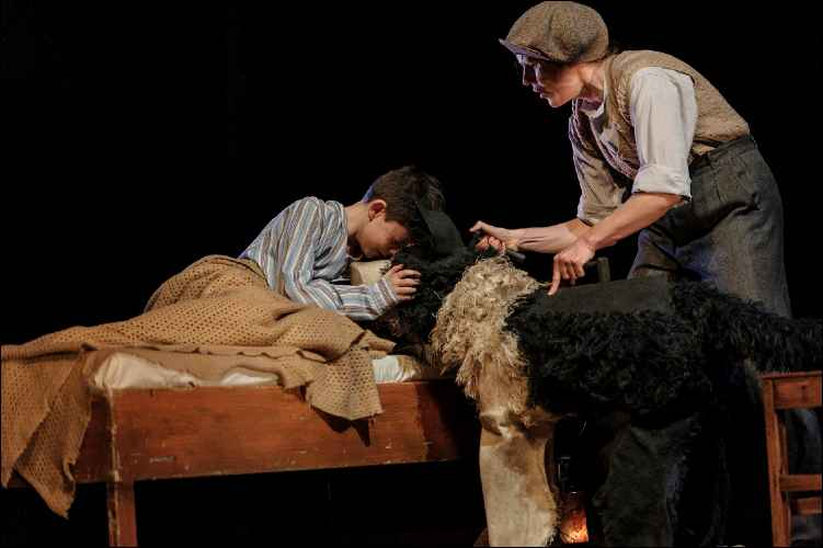 5. Alex Taylor-McDowall and Elisa de Grey in Goodnight Mister Tom 2015 Credit Dan Tsantilis