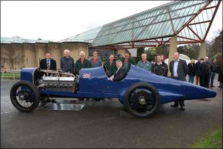 The London Motor Show 350 Sunbeam with restoration team[1]