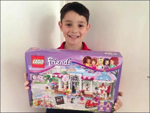 Kids Club Amelie & Frankie review Lego Nexo Knights sets at Legoland diego