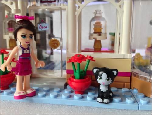 Kids Club Amelie & Frankie review Lego Nexo Knights sets at Legoland lego friends