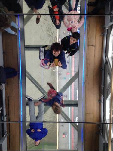 Tower bridge exhibition mirror selfie