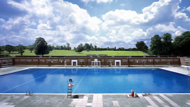 Top 10 things to do this summer with kids who love water - Swimming pools in kingston upon thames ...