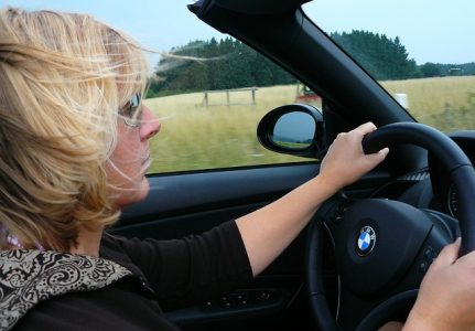 driving mistakes woman