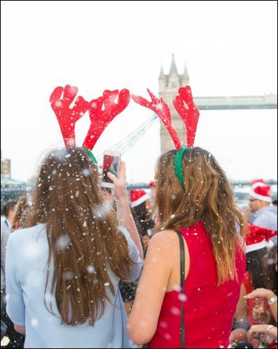 top-20-family-activities-for-winter-weekends-citycruises-christmas_towerbridge_snow